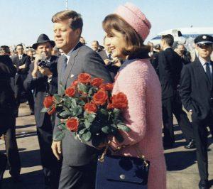Jacqueline Kennedy Onassis : Iconic Style Icon